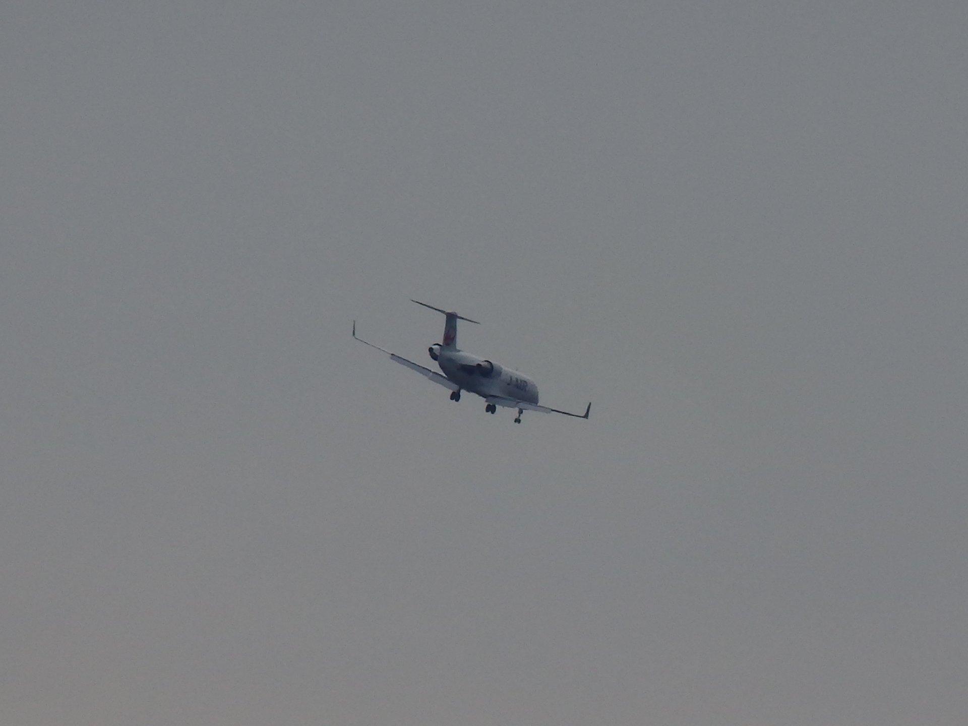 CRJ-200の着陸進入です。