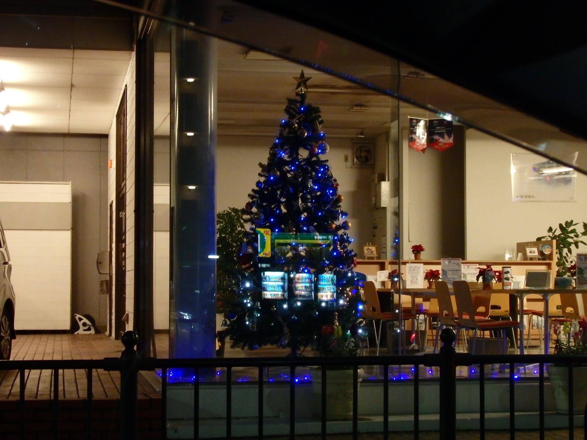 世間は既にクリスマスモード。