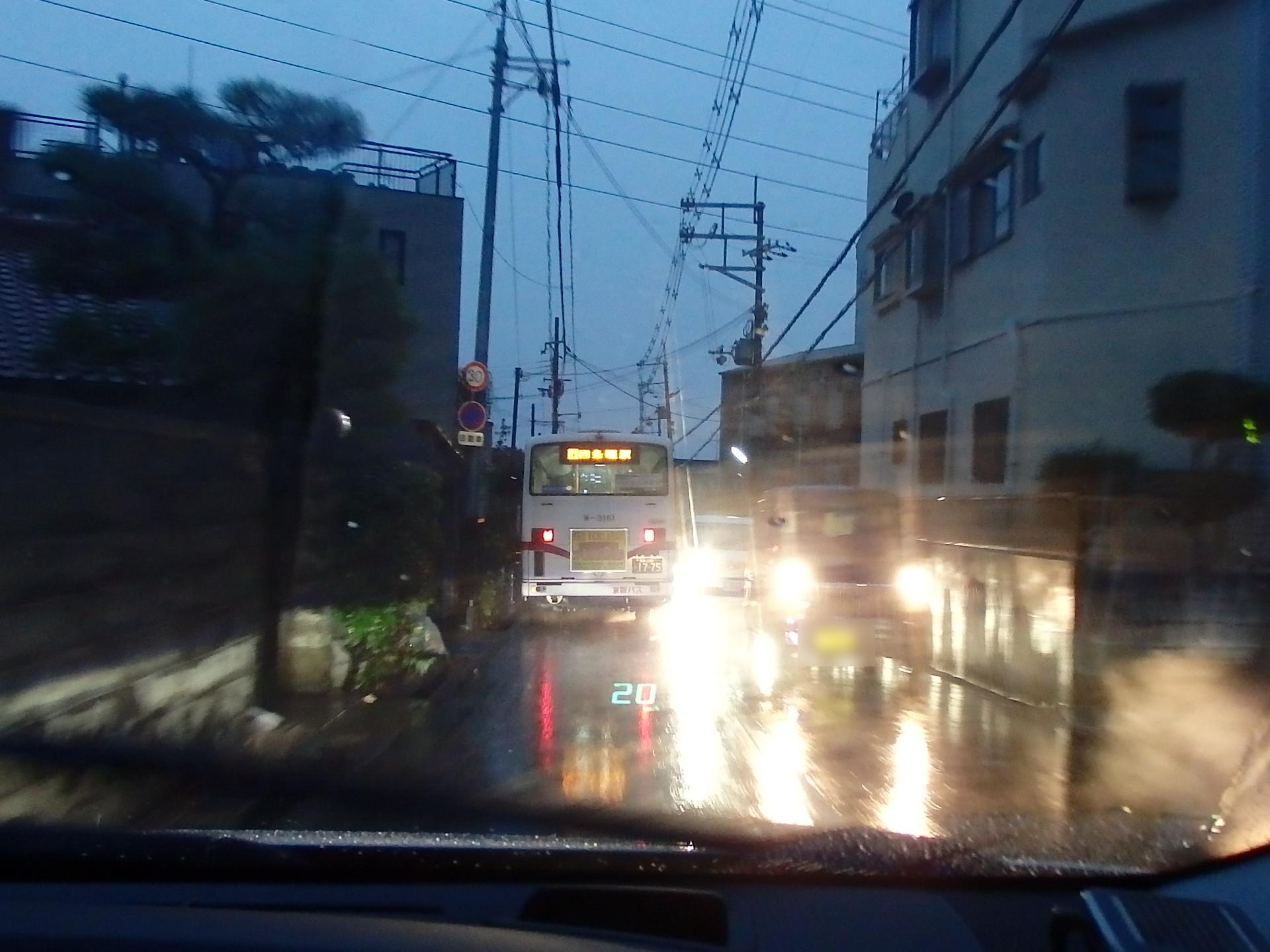 近鉄より京阪バスの方が運転技量は上です。