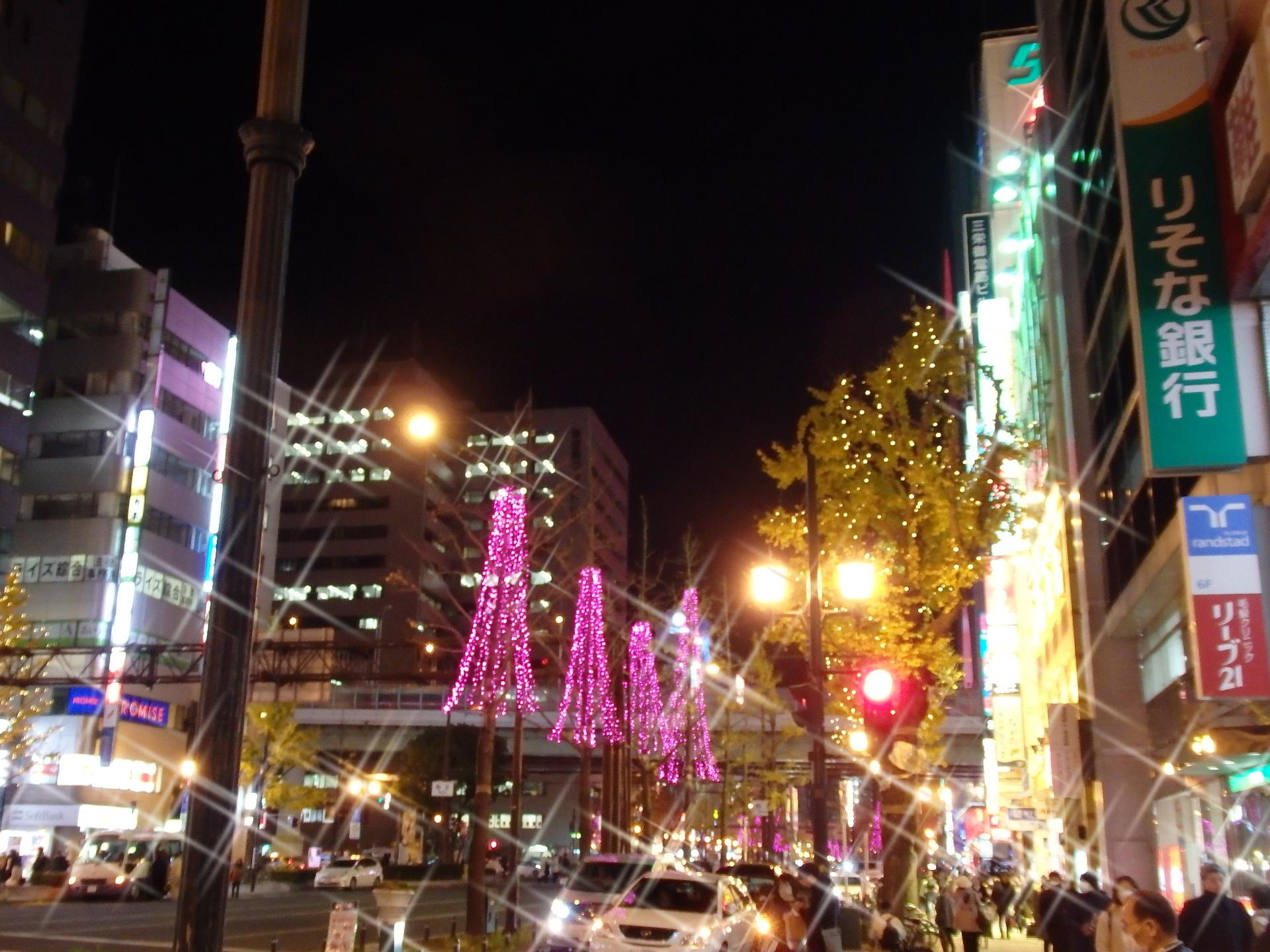 クロスフィルター撮影したミナミの夜です。