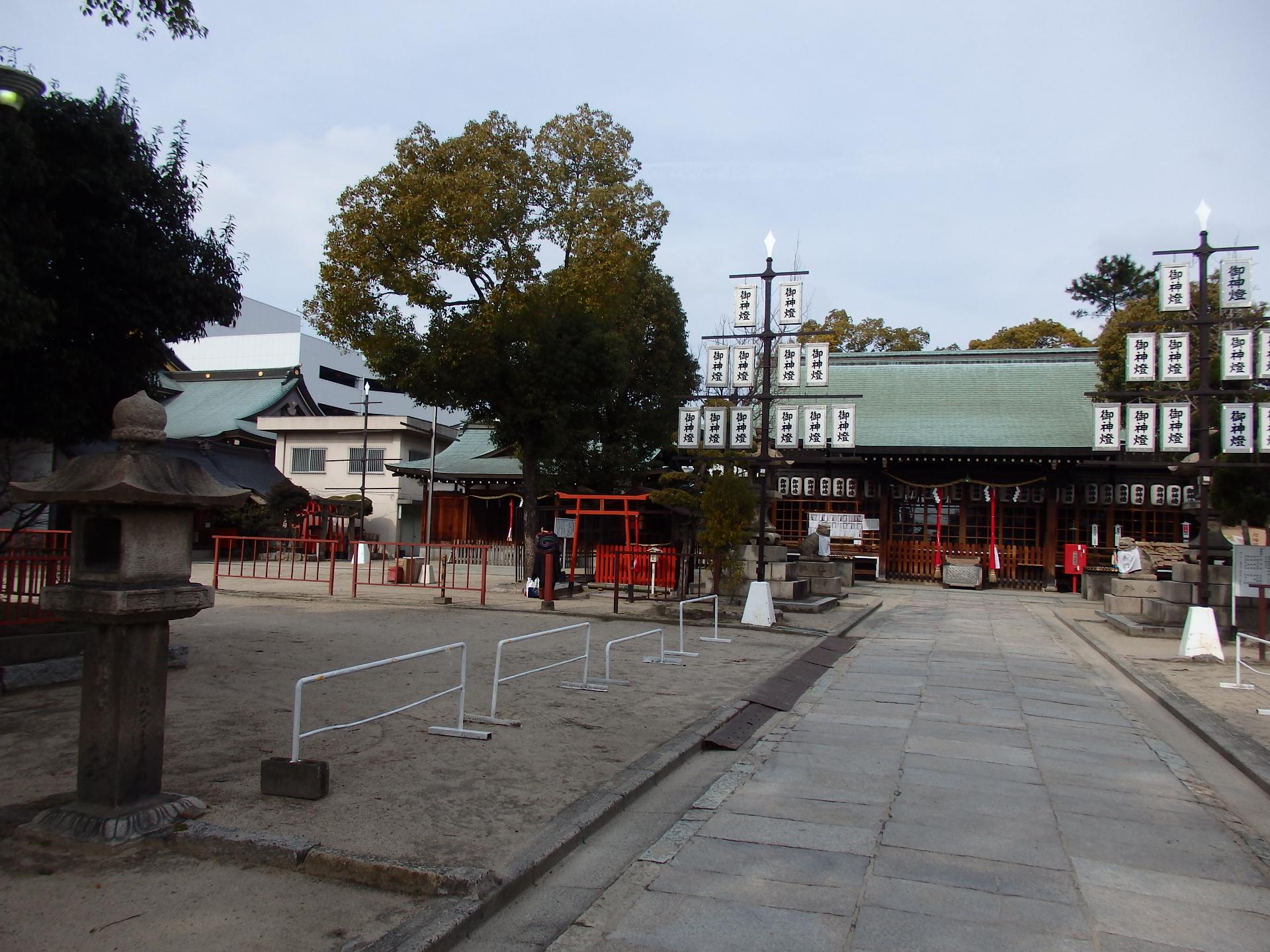 神社を参拝しました。
