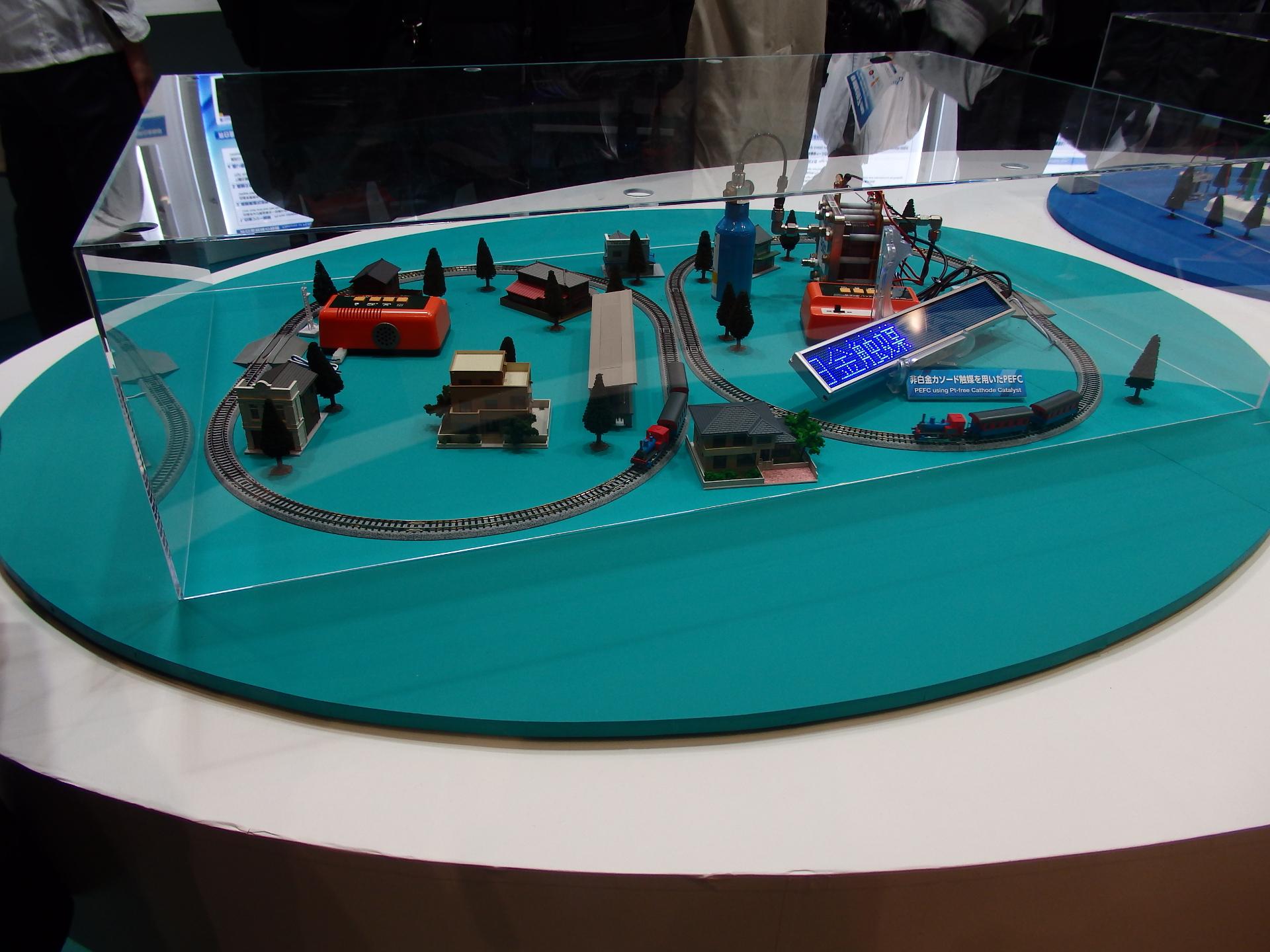 昭和電工の非白金触媒PEFCの実演デモです。