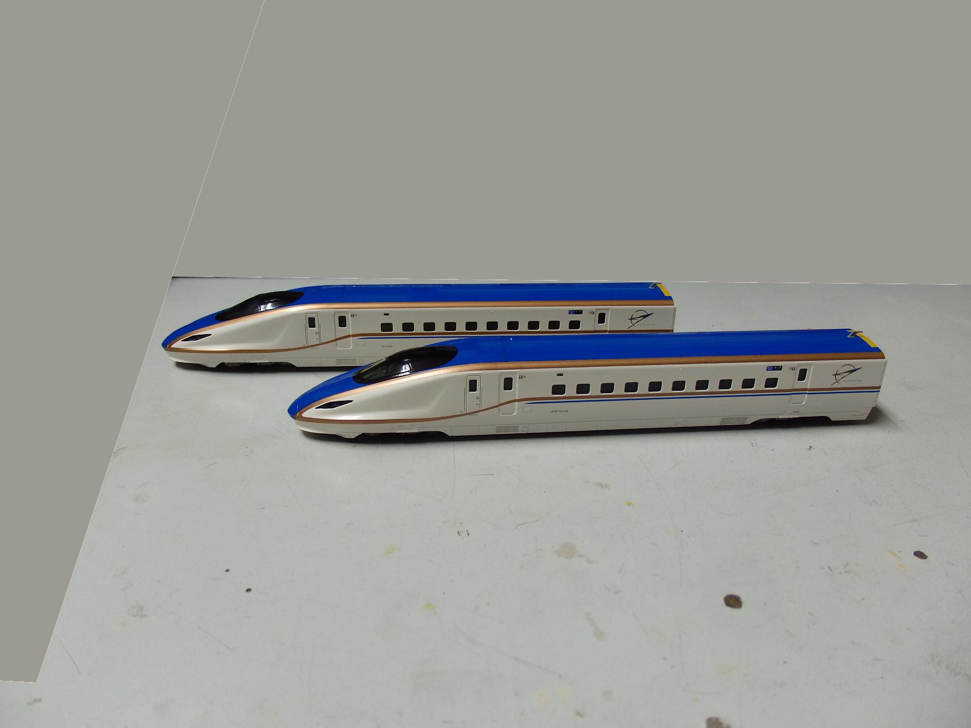 北陸新幹線W7系「はくたか」です。