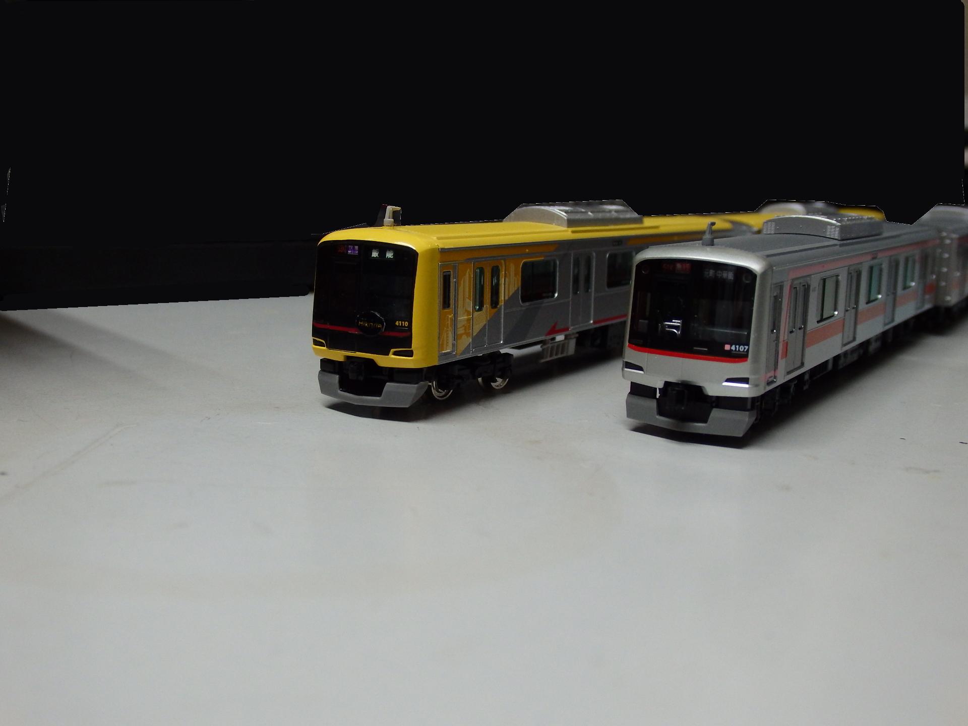 東急5050系4000番台のガチの2ショット比較。