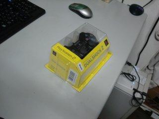 通販注文のPS2コントローラが届いていました。
