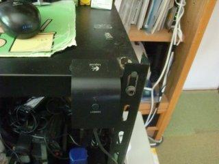 ワイヤレスマウスの受信ユニット設置場所の改善。