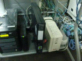 UPSはこのサーバでは無理があった様だ。