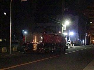 迷惑な夜間路駐トラックです。